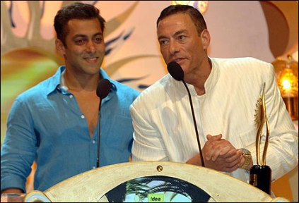 Jean-Claude-Van-Damme-wants-to-act-with-Salman-Khan